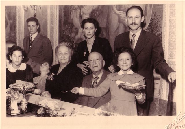 משפחת ג'נצני (ניצני) בשנות הארבעים. הדוד פרנקו, הדודה ג'יליולה והדודה אלדה והסבים